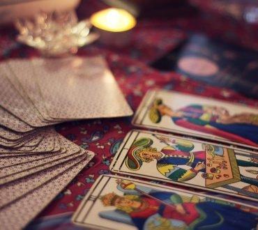 Tarot gratis pentru dragoste si relatie  – descopera viitorul in dragoste